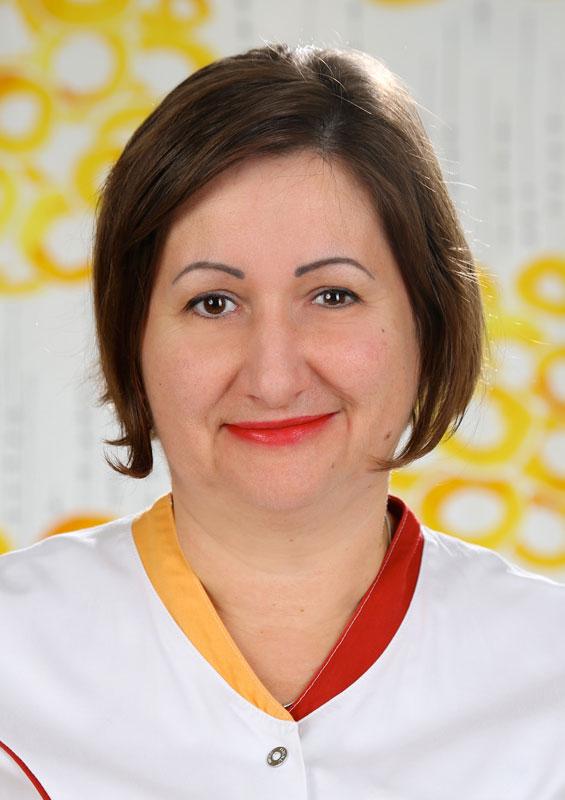 Monika Csatari