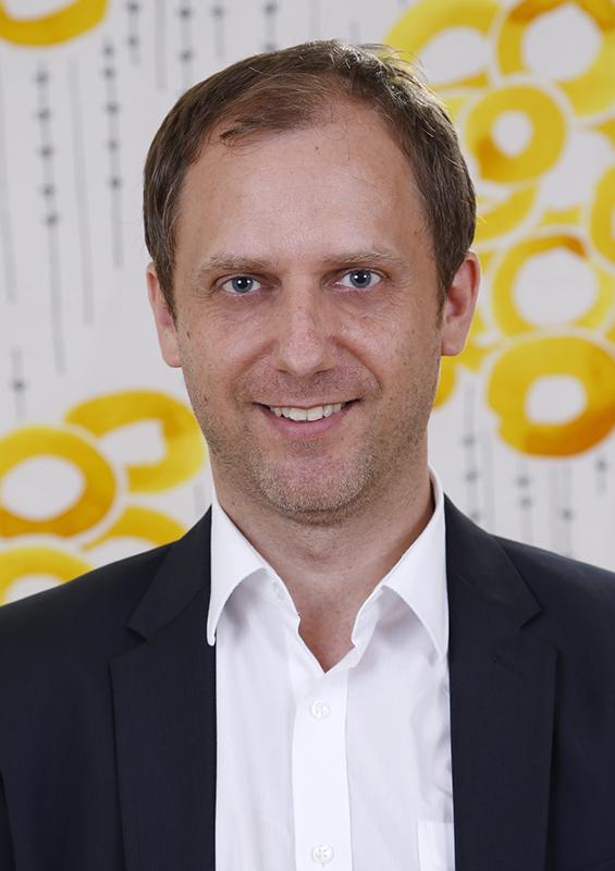 Mag. (FH) Michael Santer
